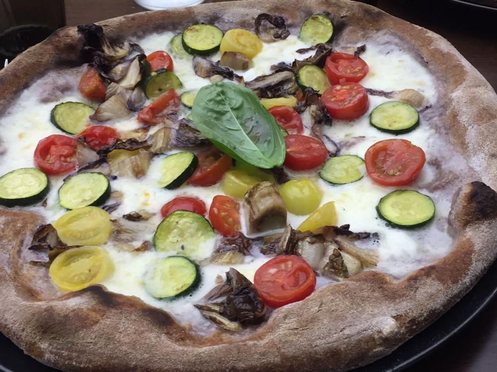 Pizza Vegetale in impasto Riso Venere
